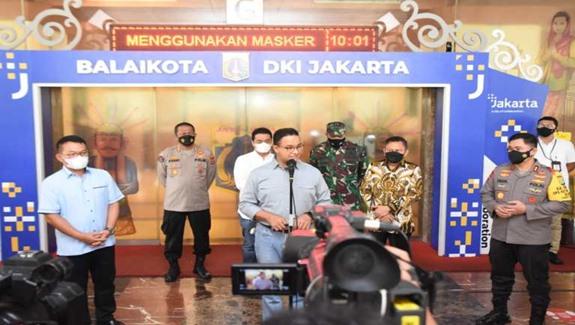 Gubernur DKI Jakarta Anies Baswedan didampingi Forkopimda DKI Jakarta saat press conference