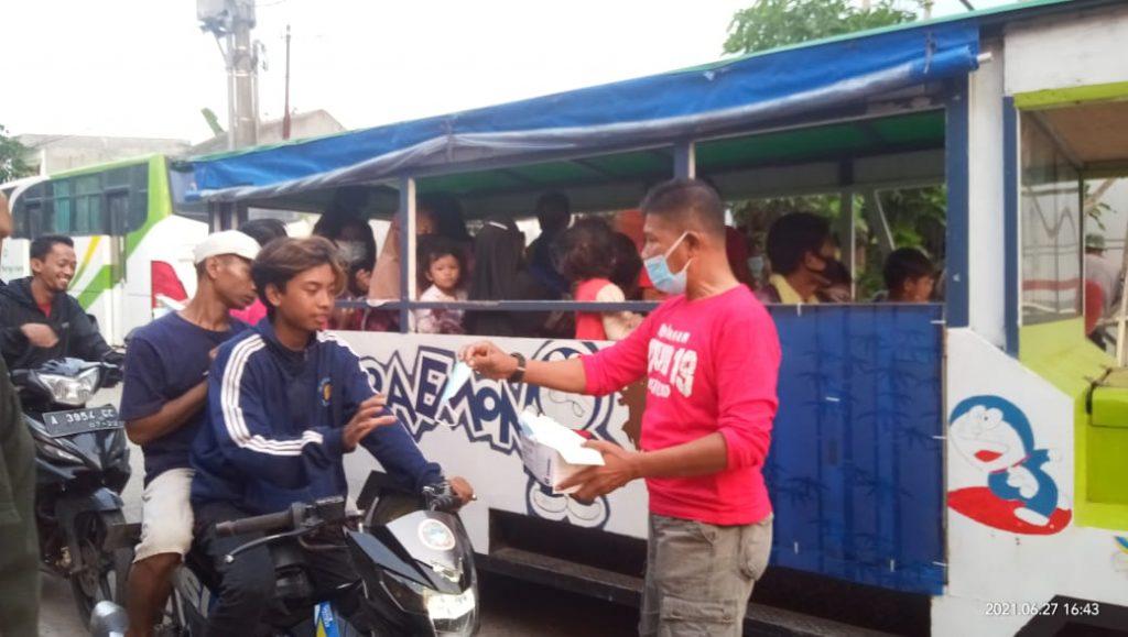 Masyarakat Cikande Sambut Baik Gugus Tugas Covid-19 RW 09 Lakukan Bagi -Bagi Masker