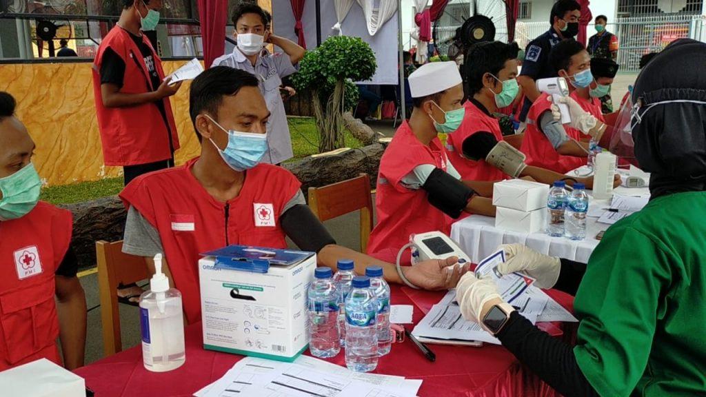 Warga Binaan lapas Pemuda IIA Dan Anggota Lapas Melakukan Vaksinasi
