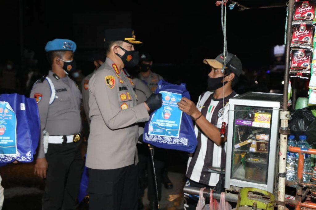 Kapolresta Tangerang Membagikan Ratusan Paket Sembako