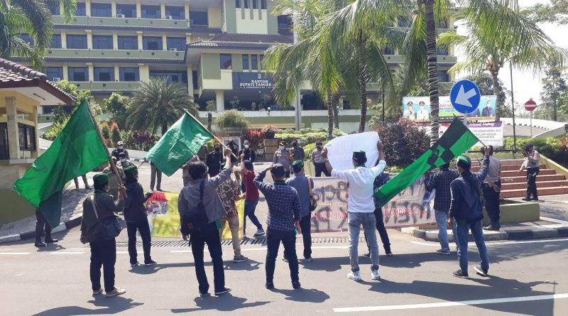 Polresta Tangerang Amankan Belasan Mahasiswa HMI yang Memaksa Gelar Unras