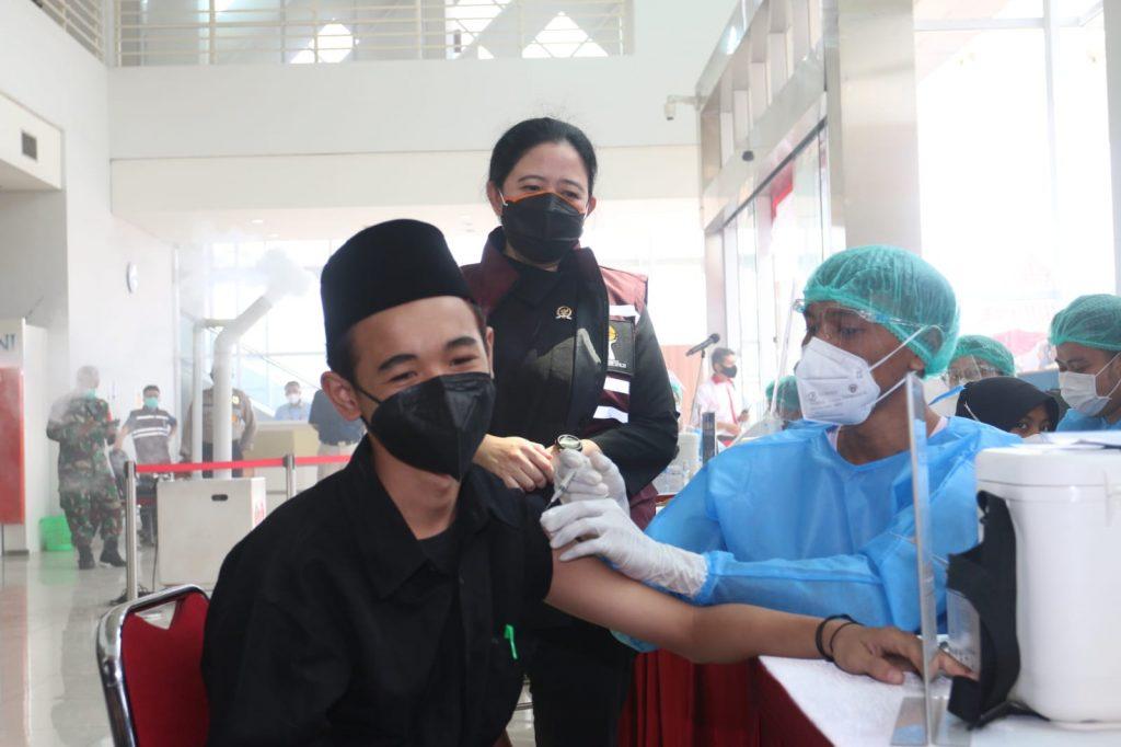 Dengan Gotong Royong, Puan Sebut Ranking Vaksinasi RI Bisa Meningkat Lagi*