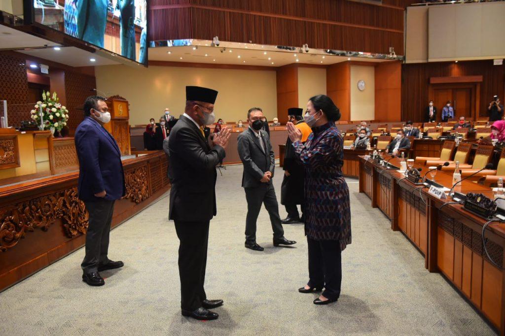 Puan Ucapkan Selamat Lodewijk Resmi Jabat Wakil Ketua DPR